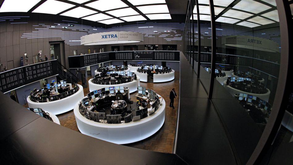 Börse in Frankfurt: Anleger warten auf das Maßnahmenpaket zur Lösung der Euro-Schuldenkrise