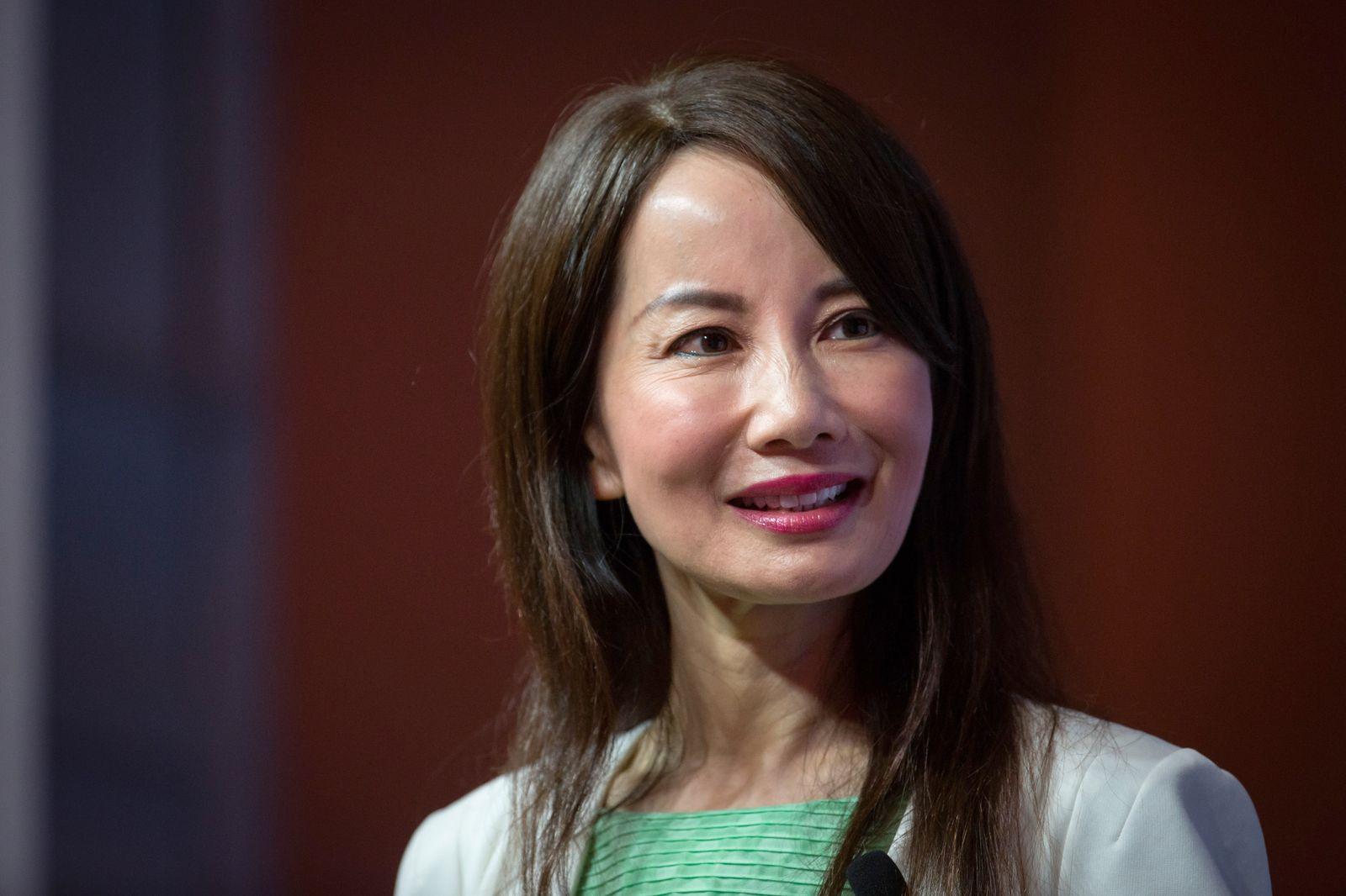 EINMALIGE VERWENDUNG Jane Jie Sun