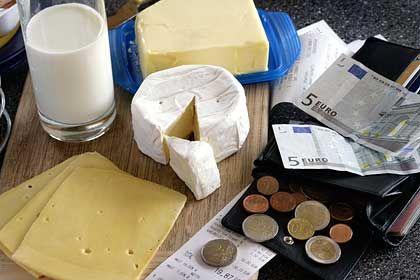 Kleine Preiserhöhung, große psychologische Wirkung: Weil Milch teurer geworden ist, sorgen sich Bürger um ihren Lebensstandard
