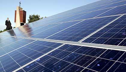 Fotovoltaik: Anlagen eignen sich nahezu für jedes Dach - und helfen, Energiekosten zu sparen