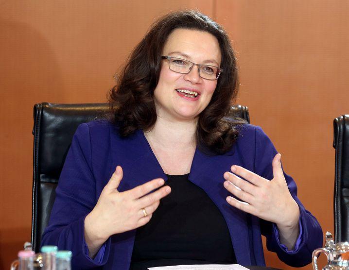 Verrechnet: Bundesarbeitsministerin Nahles kämpfte für die Rente mit 63, die nun teurer wird