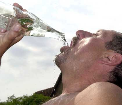 Wasser: Durstlöscher beim Sport