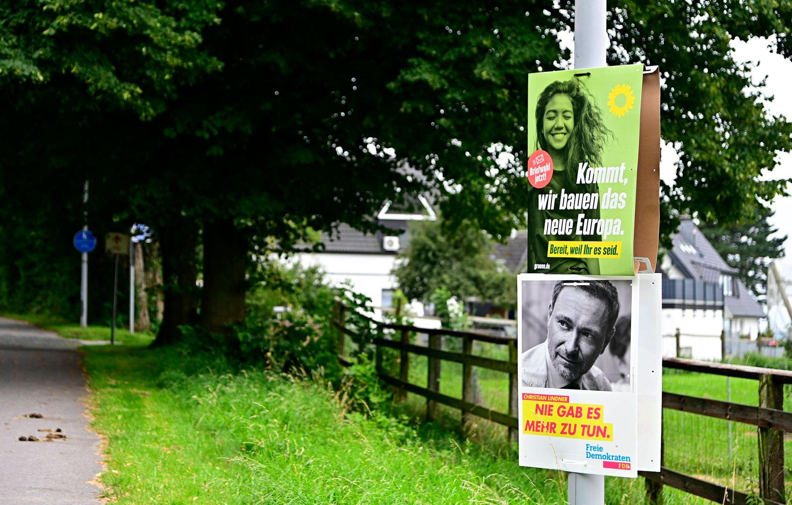Bundestagswahl 2021,die Parteien werben nicht nur im Internet oder Talksshows um Stimmen der Wähler,sondern auch mit Wah