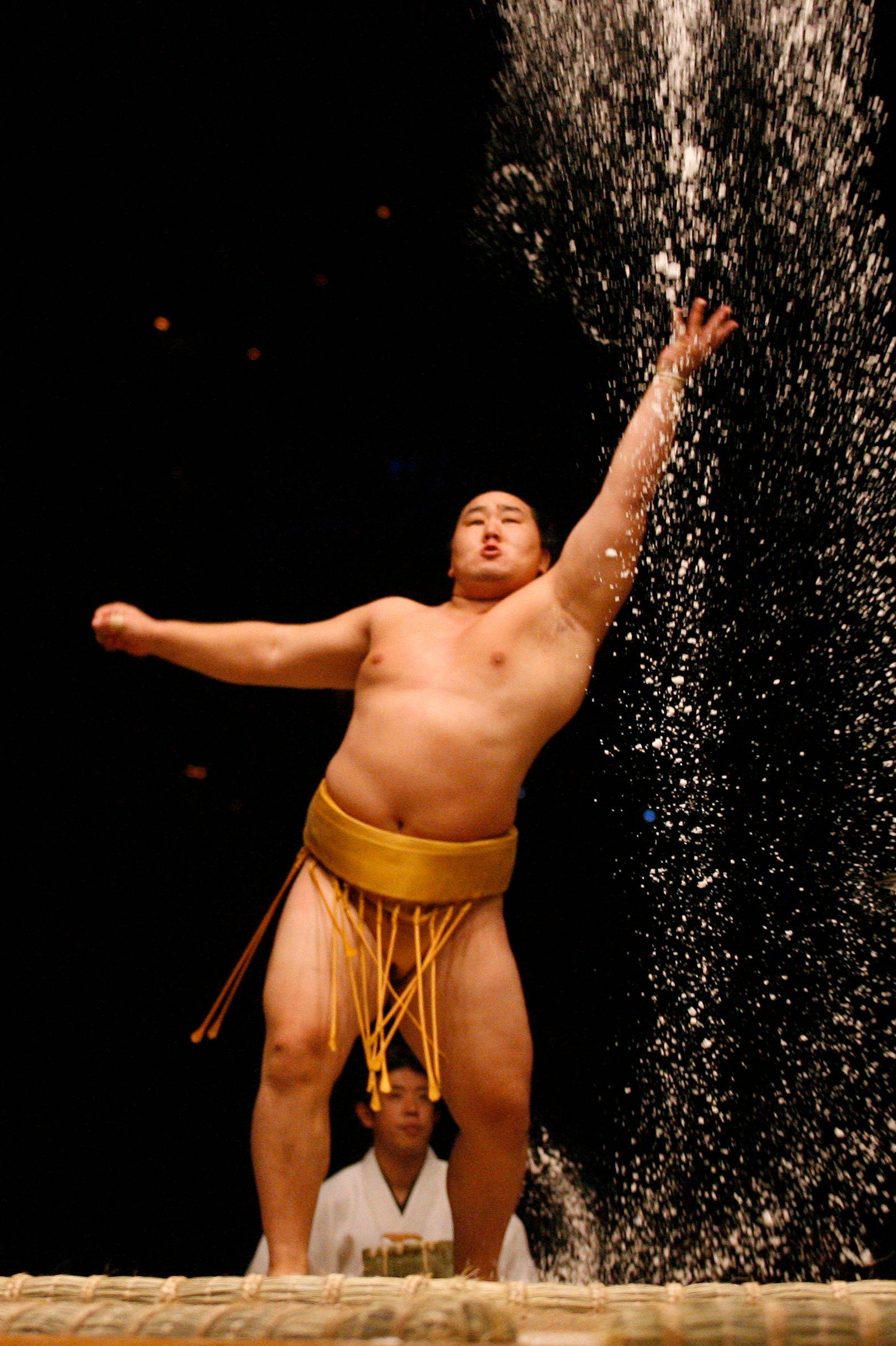 Sumo wrestling comes to Las Vegas