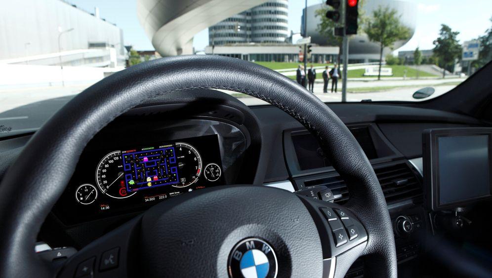 Beifahrer-TV: Neue Unterhaltung im Auto