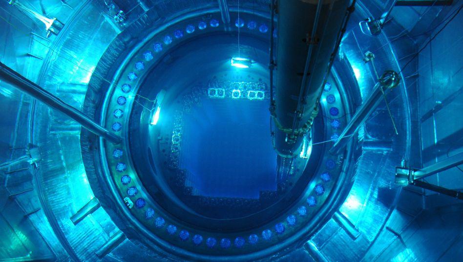 Brennelemente-Austausch in Eon-Kernkraftwerk Isar 2: Die Steuer auf Brennelemente ist umstritten