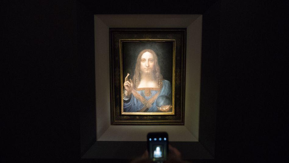 """Rekordhalter: """"Salvator Mundi"""" von Leonardo da Vinci ist mir 450 Millionen Dollar das teuerste jemals versteigerte Gemälde."""