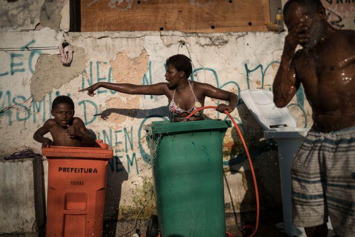 Slum in Brasilien: Globale Rezession bedroht die Gesundheit hunderttausender Kinder, die in Armut leben
