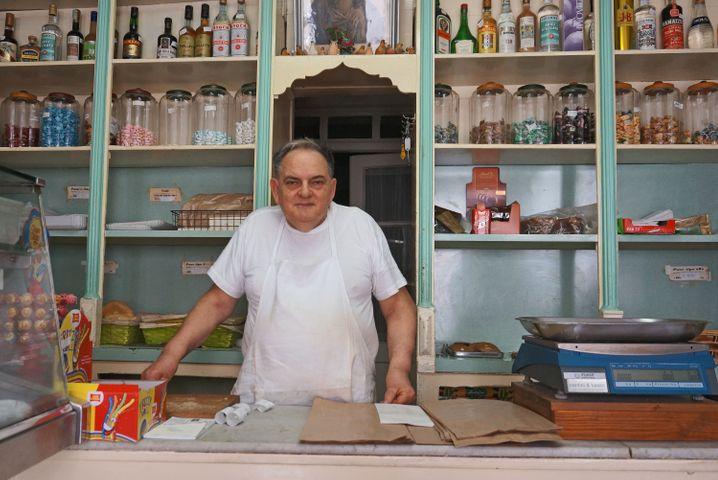 Bäcker Francesco Simonit in seinem Laden in Cormòns