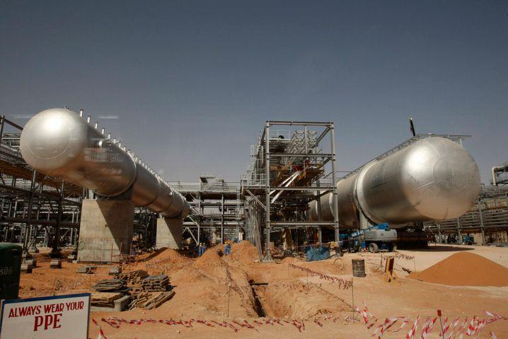 Ölförderung in Saudi-Arabien: Das Land verhindert eine Senkung der Opec-Förderung - und hat selbst darunter zu leiden