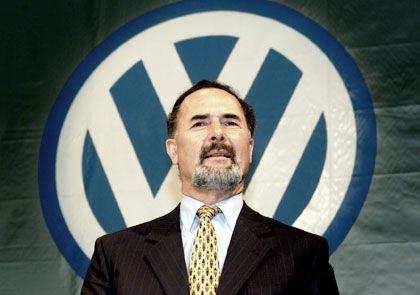 VW-Chef Bernd Pischetsrieder hat die Jahresprognose gesenkt.