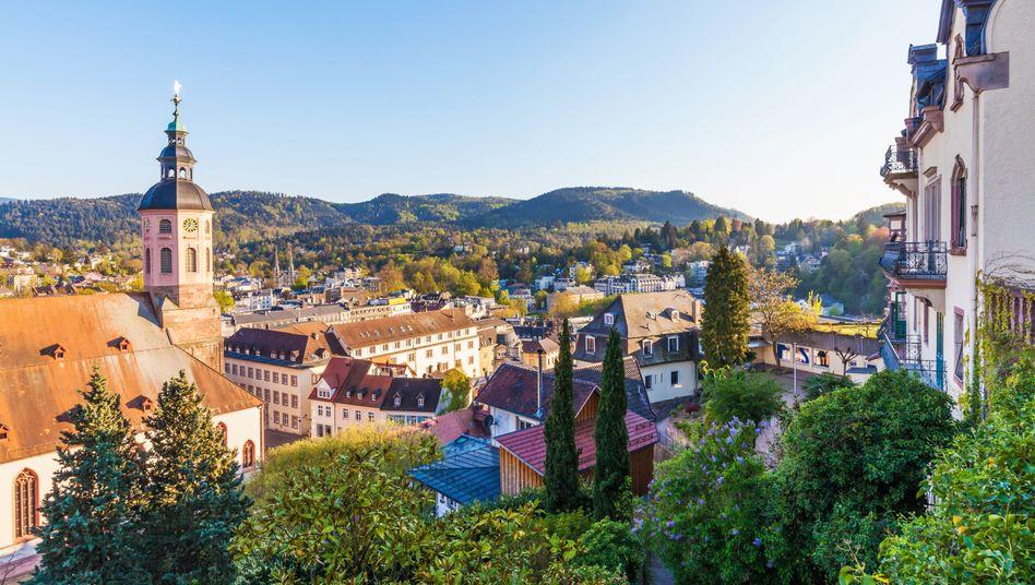Blick auf Baden-Baden: Vor allem wer Häuser, Wohnungen und Aktien besitzt, konnte sein Vermögen mehren. Die reichsten 10 Prozent besitzen 60 Prozent des Nettovermögens in Deutschland