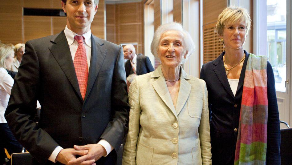 Erstmals an der Spitze: Johanna Quandt (Mitte) und ihre beiden Kinder Stefan Quandt und Susanne Klatten haben mit einem gemeinsamen Vermögen von 18,3 Milliarden Euro die Familie Albrecht als reichste Deutsche abgelöst