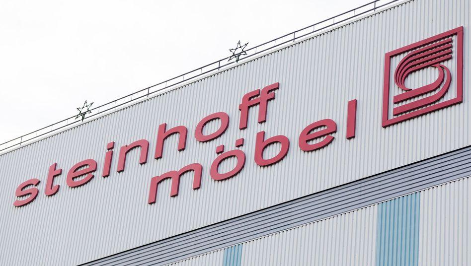 Steinhoff in Niedersachsen: Louis du Preez soll den Konzern wieder auf Vordermann bringen