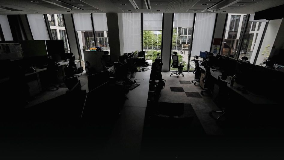 NEW NORMAL Auch nach Ende des Corona-Lockdowns bleiben viele Büros leer. Alte Ängste und Gewissheiten stehen plötzlich infrage.
