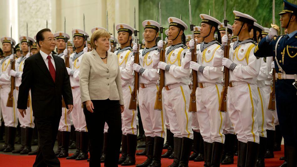 Ernste Sache: Bundeskanzlerin Merkel und Chinas Ministerpräsident Wen Jiabao