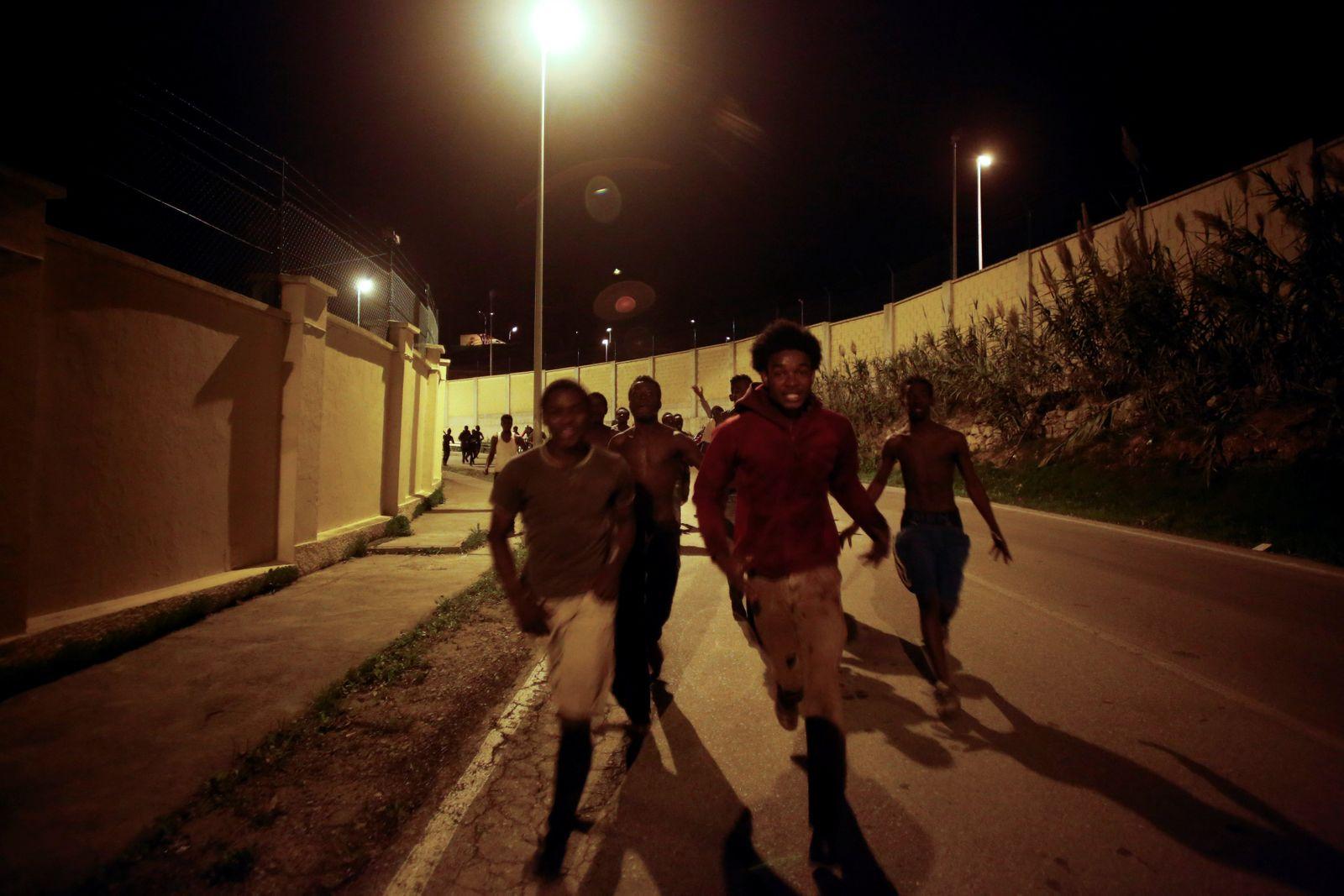 Spanien/ Marokko/ Ceuta/ Flüchtlinge