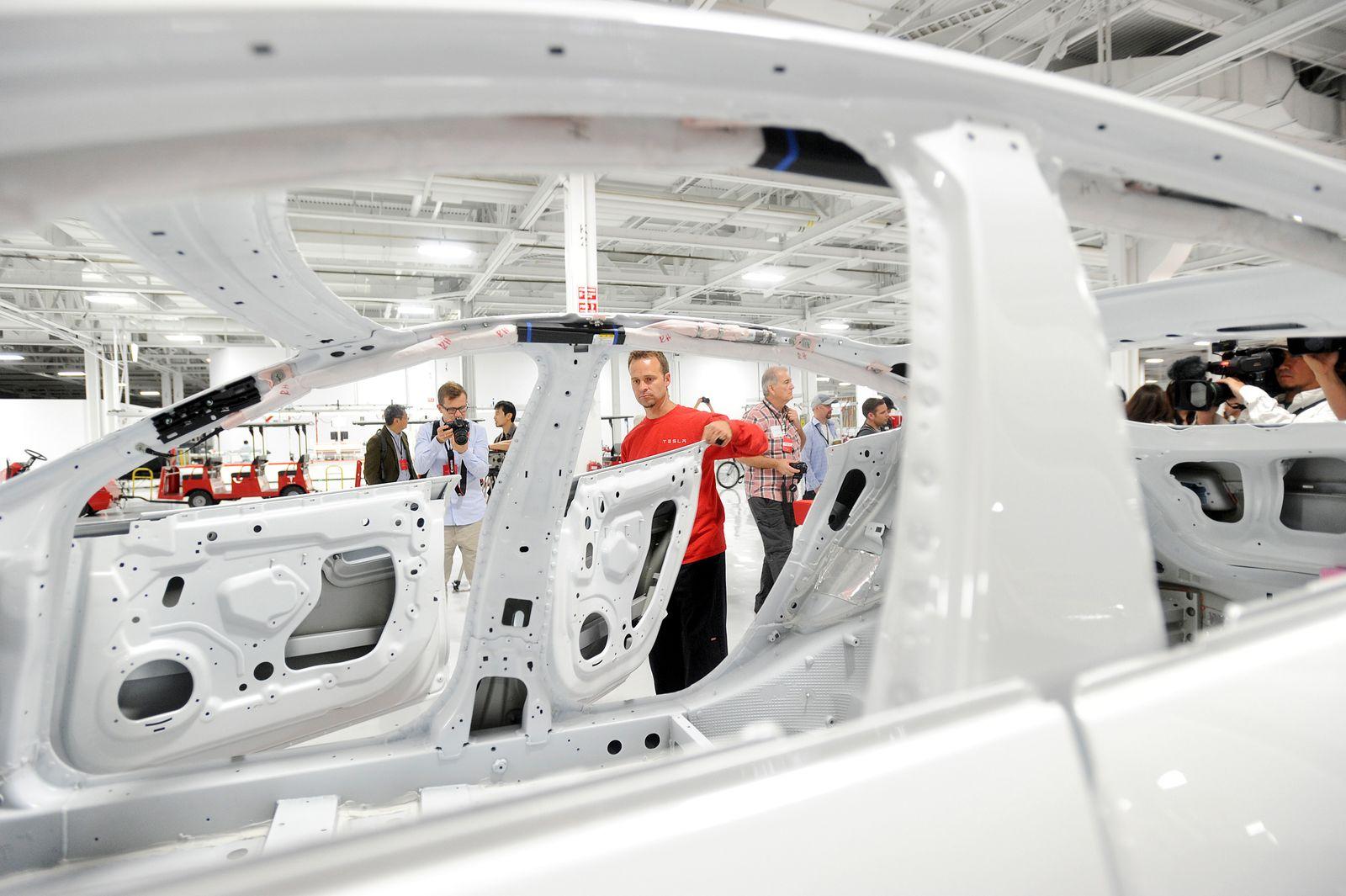 Tesla / Produktion
