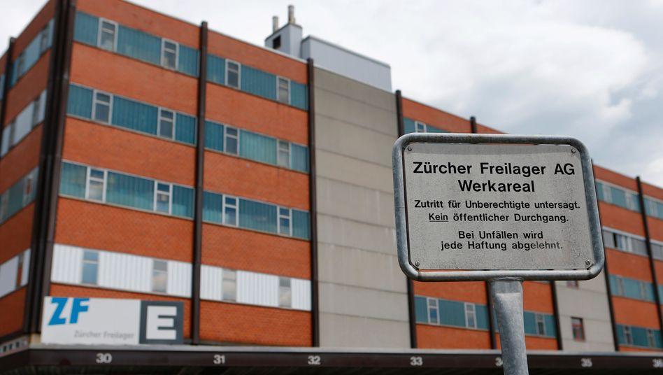 Unscheinbare Lagerhalle: Freilager in Embrach bei Zürich