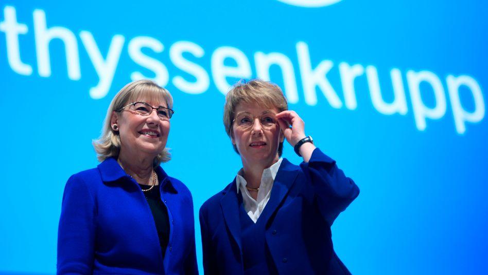 Thyssen-Krupp-Chefin Martina Merz (r) mit Ursula Gather, Vorsitzende der Stiftung Alfried Krupp von Bohlen und Halbach während der Hauptversammlung
