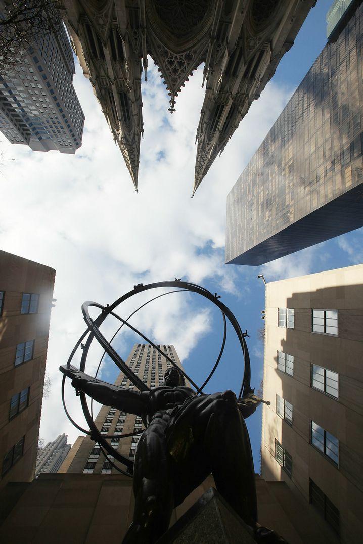 Das Gewicht des Himmels: 350 Milliarden Euro faule Kredite sind auch für den Riesen Atlas zu viel