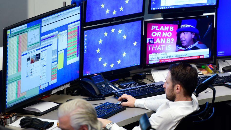 Aktienhändler in Frankfurt: An der Börse ging es zuletzt wieder aufwärts - aber wie lange noch?