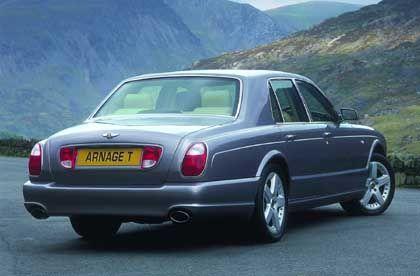 Mächtiges Männerspielzeug: Wer im Bentley Arnage T aufs Gaspedal tritt, hört zunächst eine leise Säuseln, das langsam übergeht in ein gewaltiges Knurren