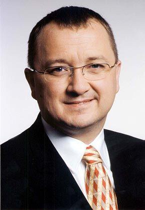 Nicolas Schlotthauer ist Manager mehrerer Renten- und Schwellenländerfonds bei DWS Investments und verbringt jährlich mehrere Monate in Asien und China