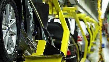 Autoproduktion bei BMW: Mehrere Zulieferer haben nach Angaben des Herstellers finanzielle Schwierigkeiten